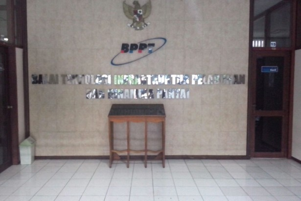 Letter timbul stainless